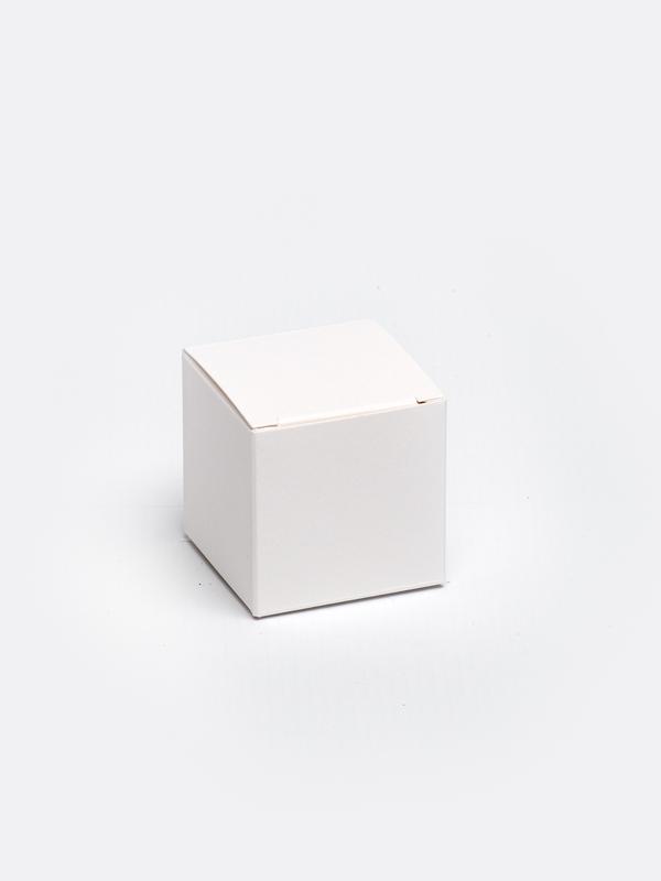 Witte kubus in karton om zelf te vullen