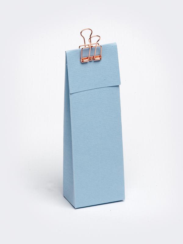 Licht blauw hoog tasje met klep om zelf te vullen