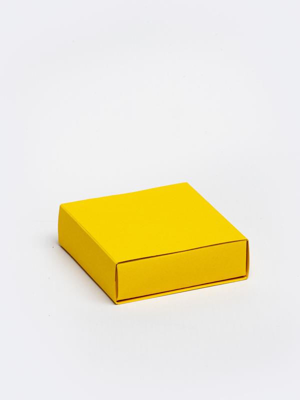 Oker vierkante doos in karton om zelf te vullen